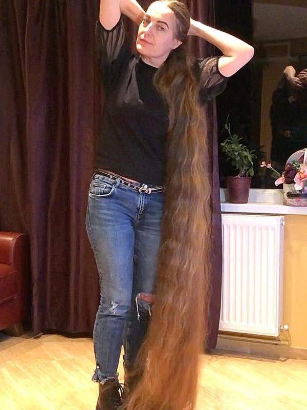 VIDEO - Rapunzel's hair display