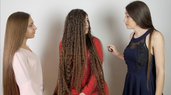 VIDEO - Suzana gets styled by her Rapunzel friends