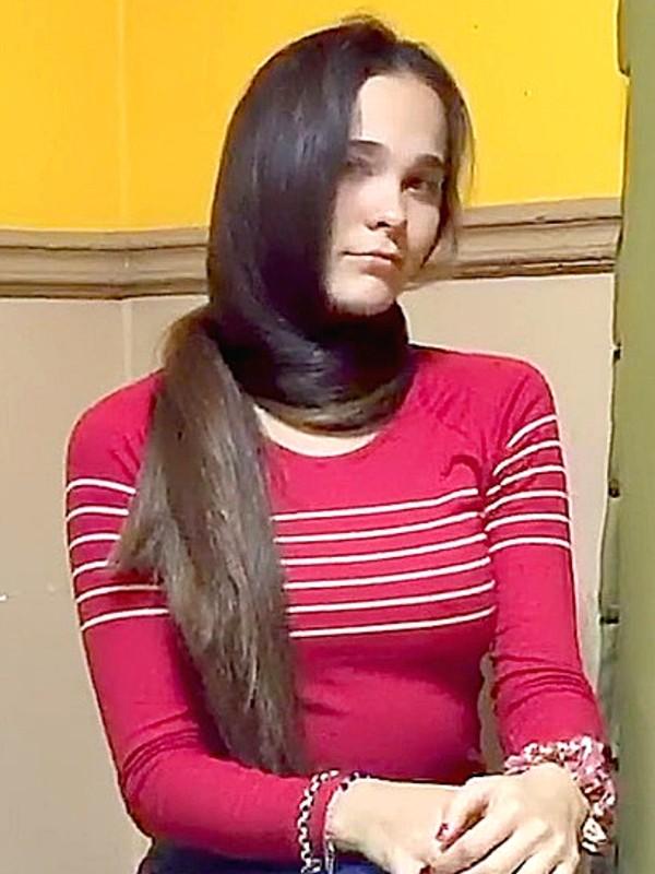 VIDEO - Pamela's super silky hair show