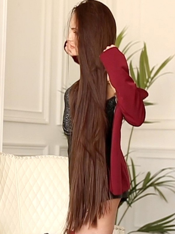 VIDEO - Long hair is luxurious (part 2)