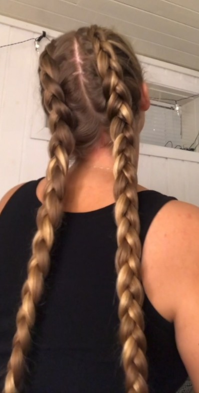 VIDEO - Theresa's double braids