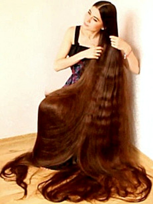 VIDEO - Longest hair ever 2