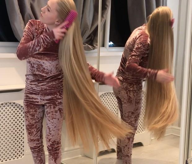 VIDEO - Supersilky blonde