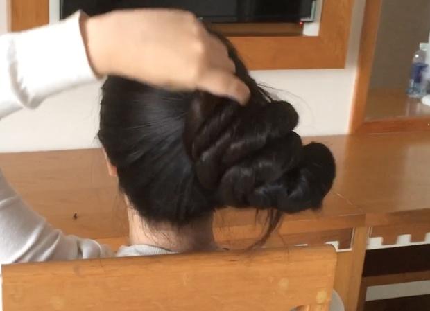 VIDEO - Beyond floor length ultimate hair play