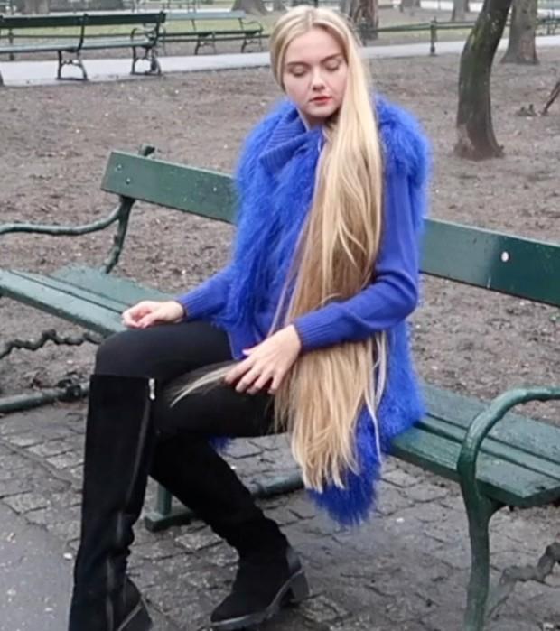 VIDEO - Blue