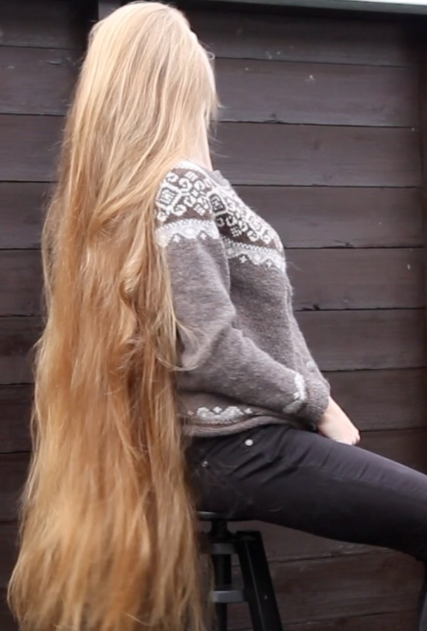 VIDEO - Norwegians love long hair