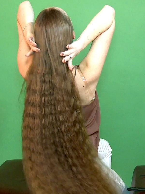 VIDEO - Violetta's ponytail and braids