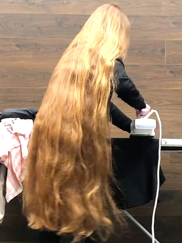VIDEO - So much long hair, so much beauty!
