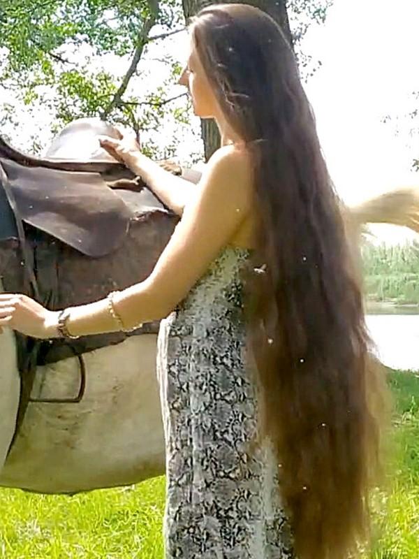 VIDEO - Tatyana's horse
