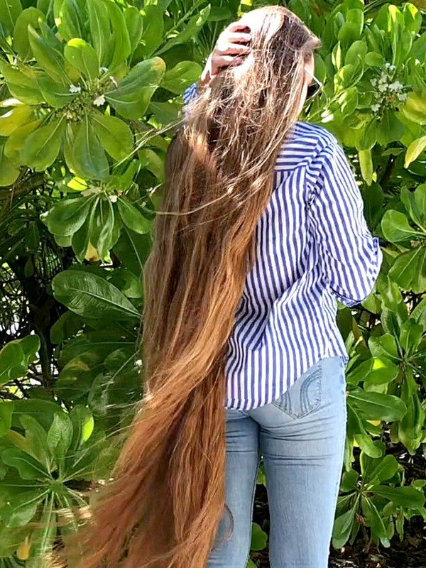 VIDEO - Maldives Rapunzel