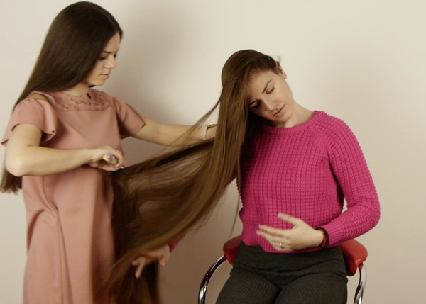 VIDEO - Suzana & Sladjana - Long hair friends
