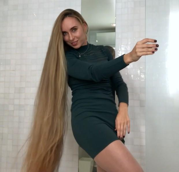 VIDEO - Bathroom play