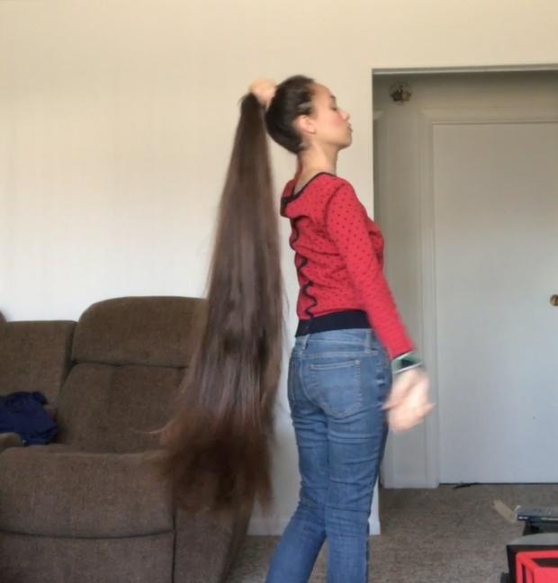 Video - Calf length brunette