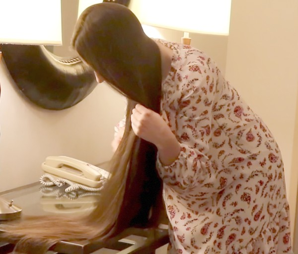 VIDEO - Antonia at the hotel