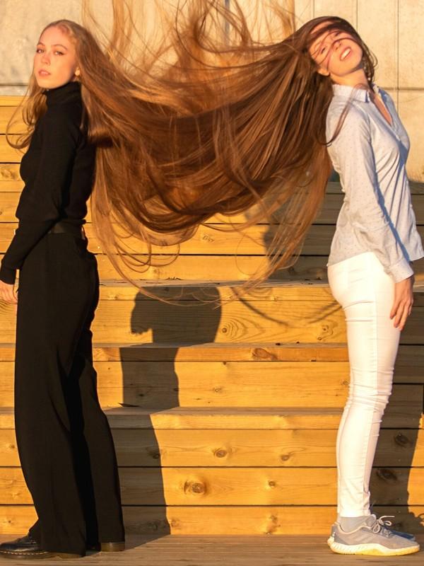 PHOTO SET - Double hairflips photoshoot