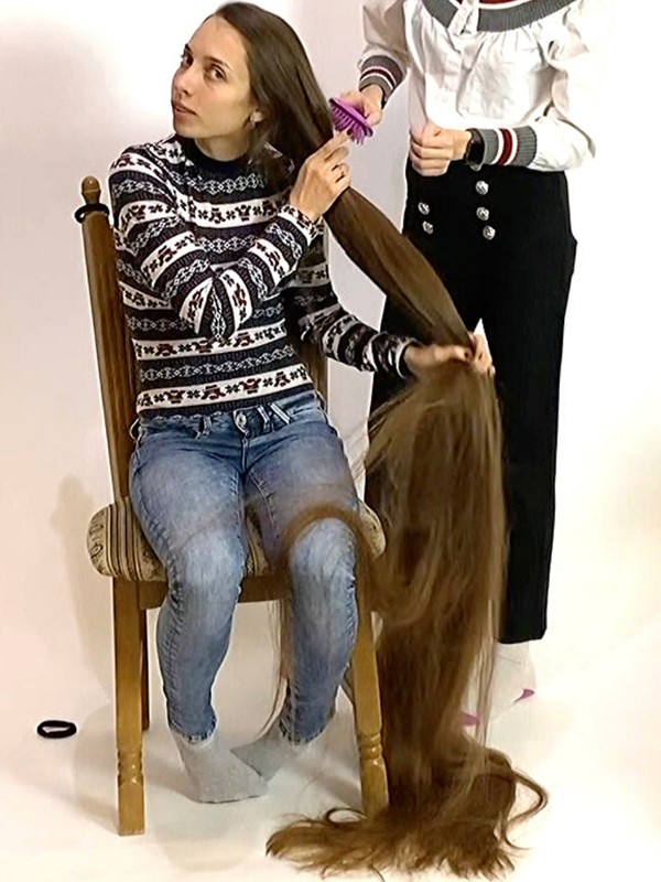VIDEO - 200 cm. of hair to handle