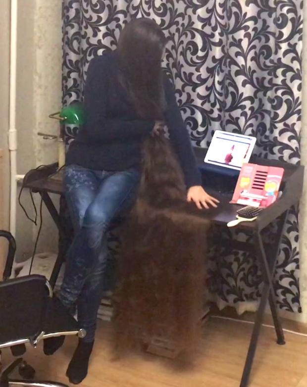 VIDEO - Rapunzel watching Rapunzel