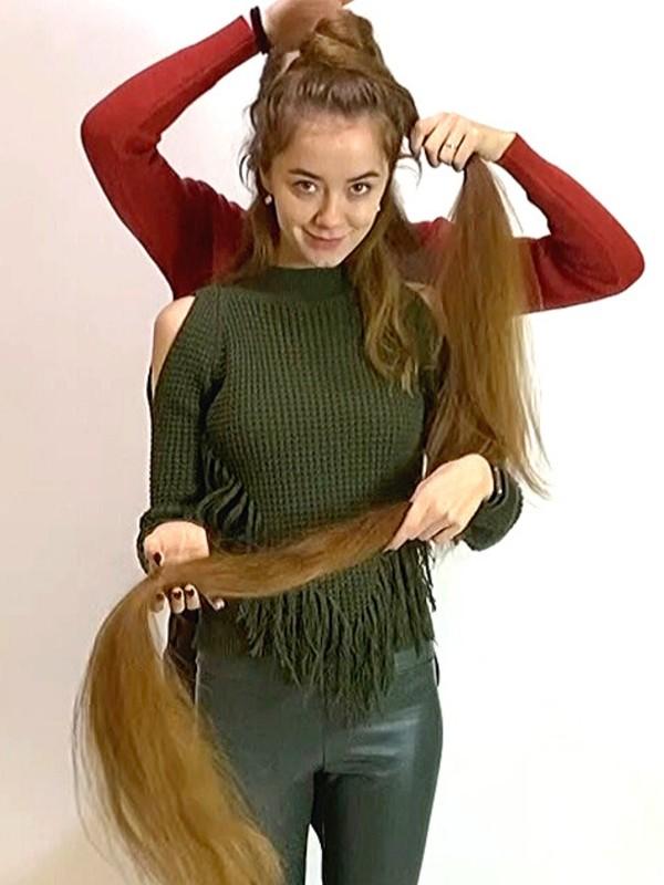 VIDEO - Extreme hair length creativity