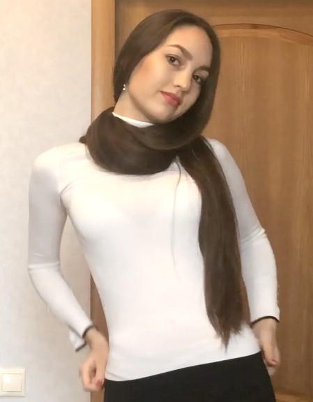 VIDEO - Alina's silky show [4K]
