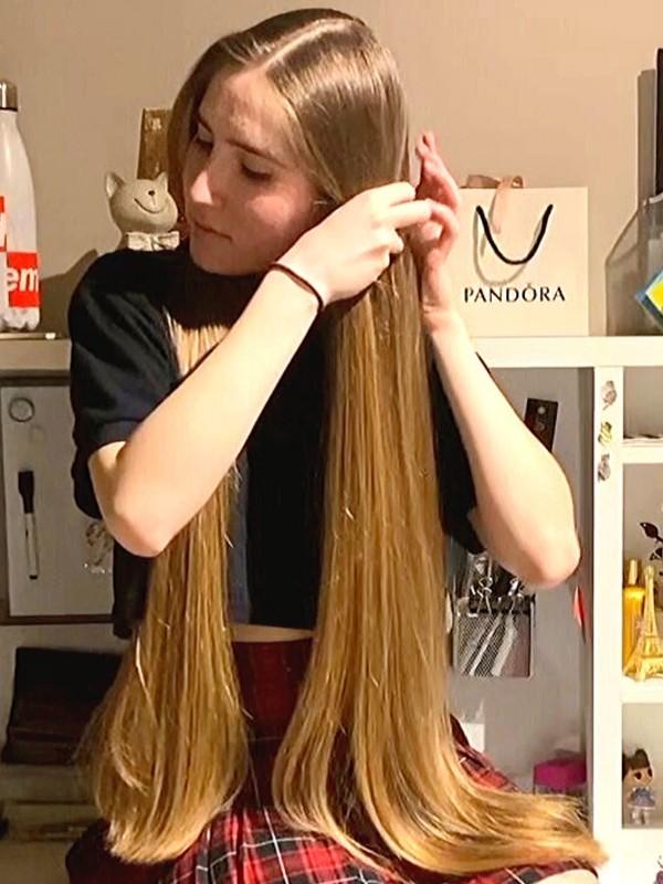 VIDEO - Alika's hairstyles in front