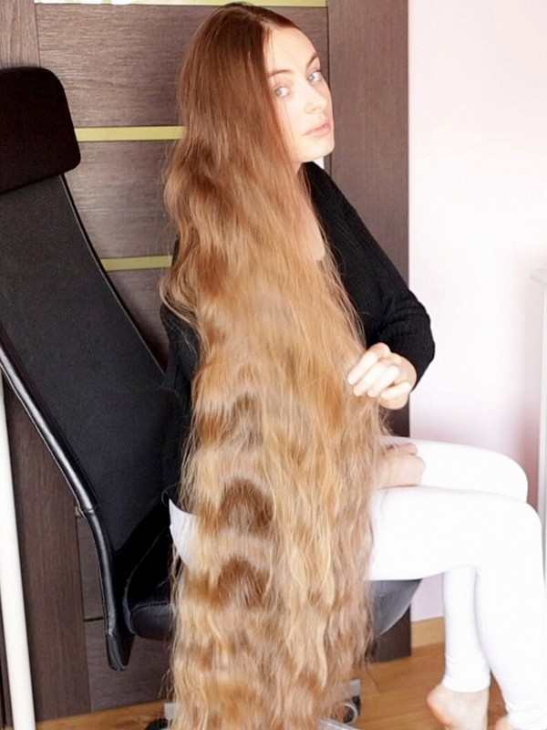 VIDEO - Ultra beautiful blonde