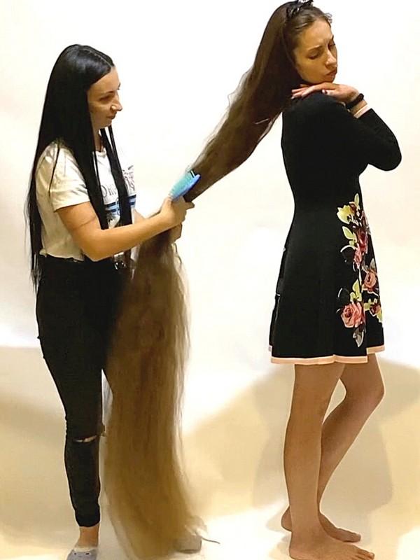 VIDEO - Floor length braid undoing