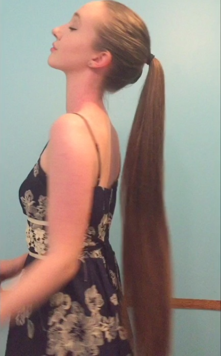 VIDEO - Super silky classic length hair