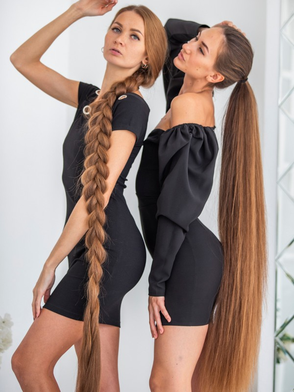 PHOTO SET - Long hair models in black photoshoot