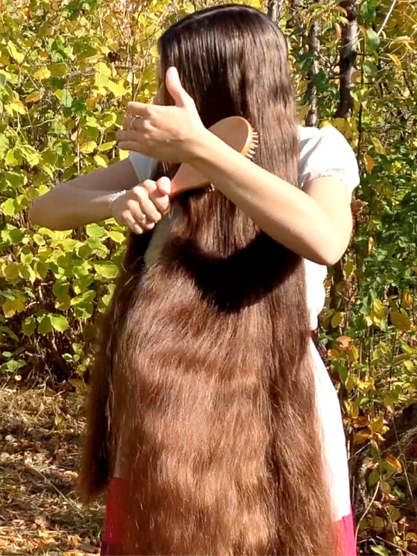 VIDEO - She loves super thick hair