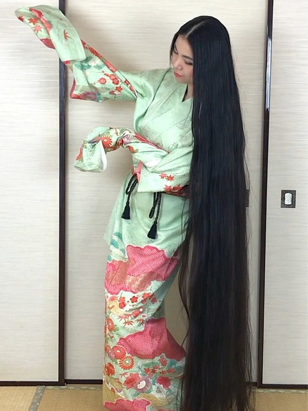VIDEO - The Japanese Rapunzel