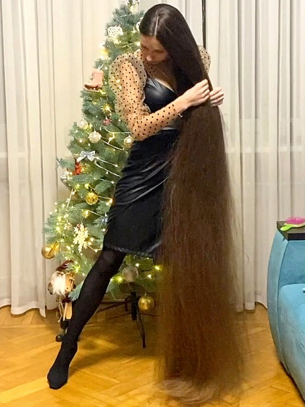 VIDEO - Time for floor length hair