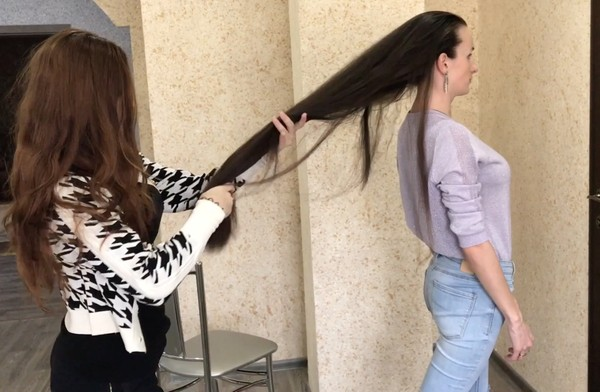 VIDEO - Long hair and fun