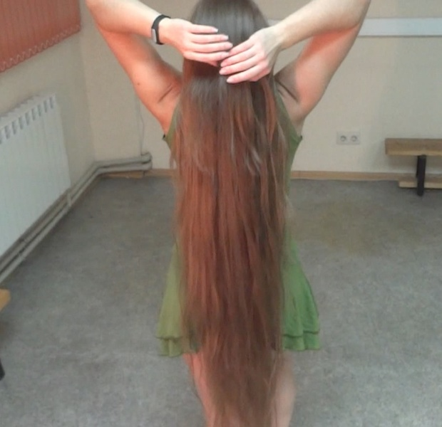 VIDEO - Knee length hair dancer 2