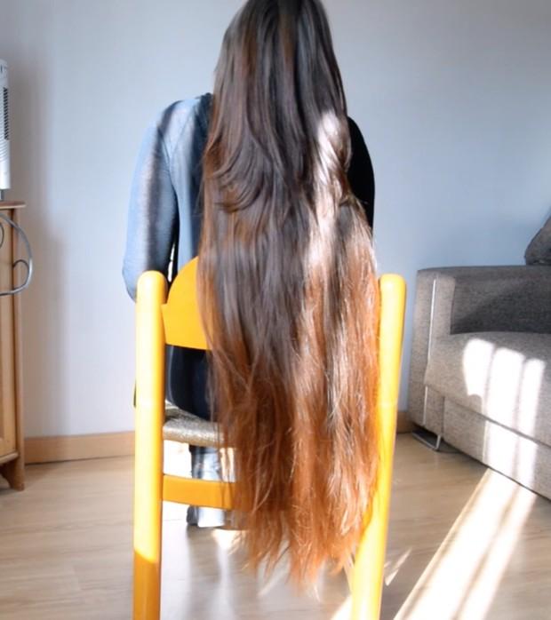 VIDEO - Premium thigh length hair chair play