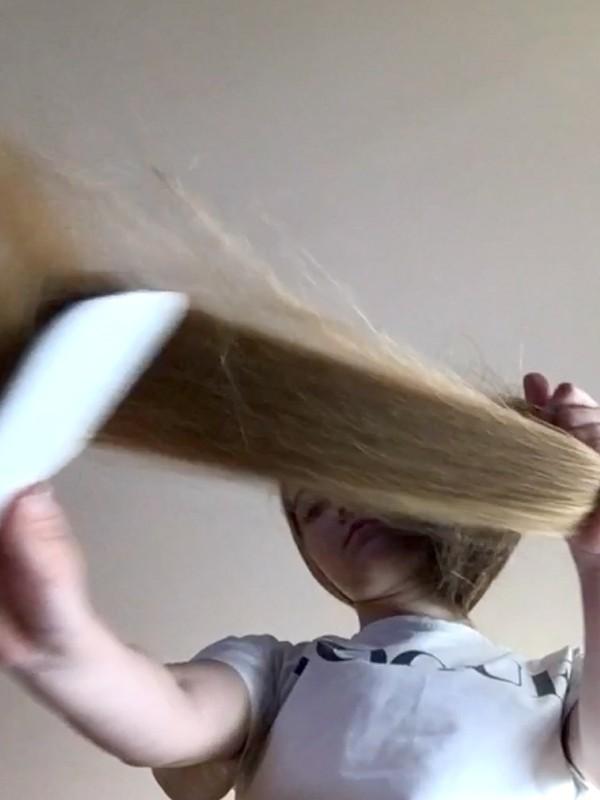 VIDEO - Flying hair 4