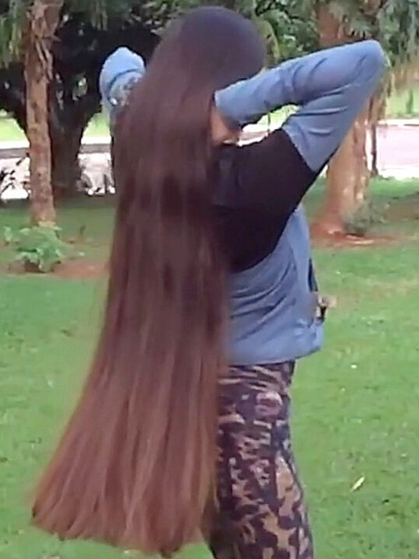 VIDEO - Long hair in the evening