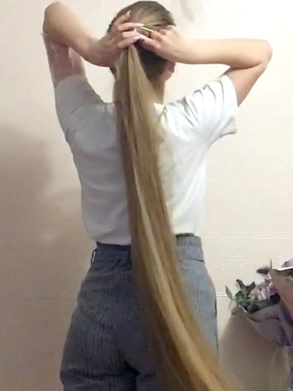 VIDEO - Anastasia's brushing and braid