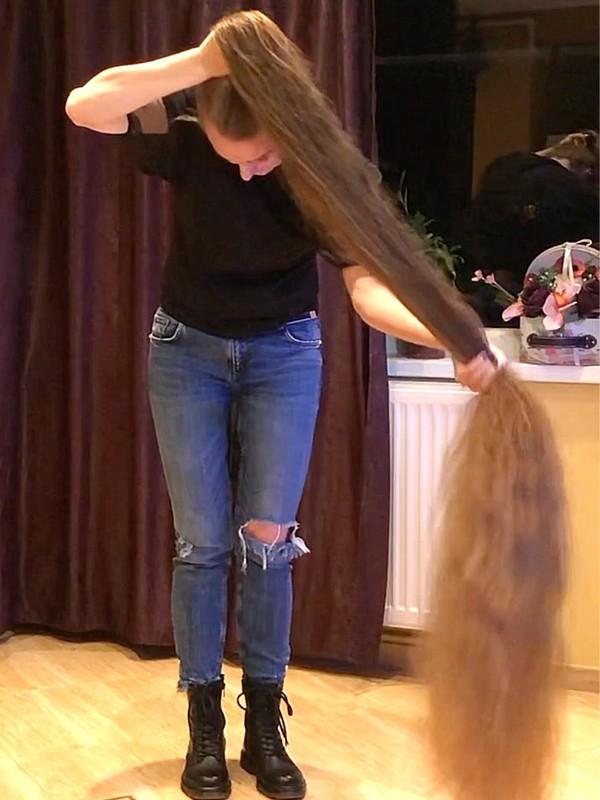 VIDEO - Serious hair length