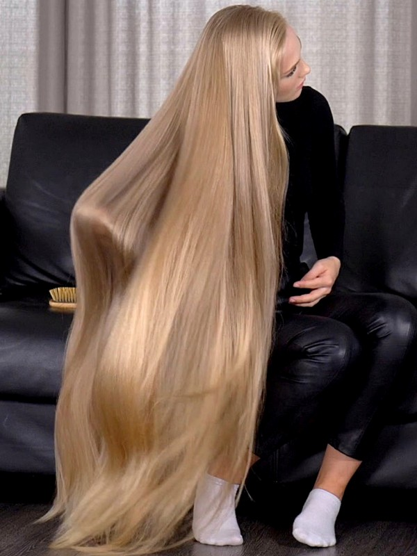 VIDEO - Big and perfect blonde bundrops