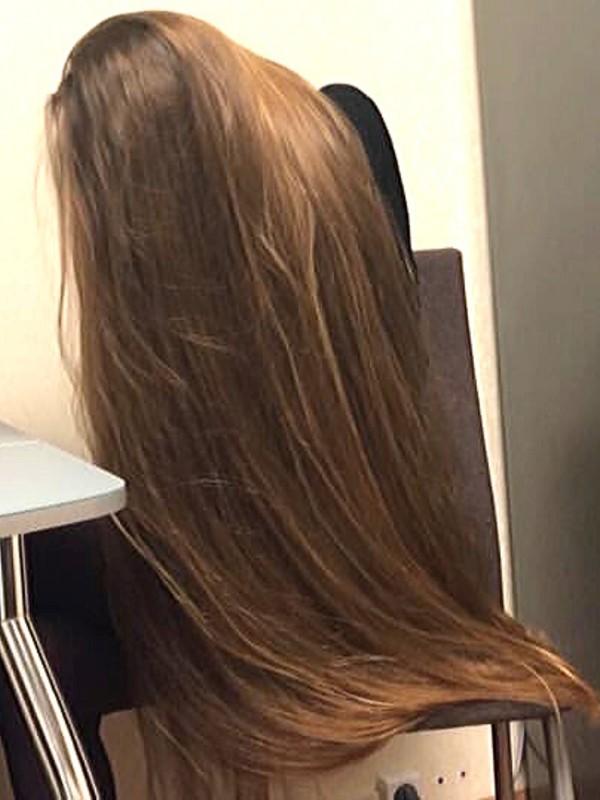 VIDEO - Vera's elegant long hair play
