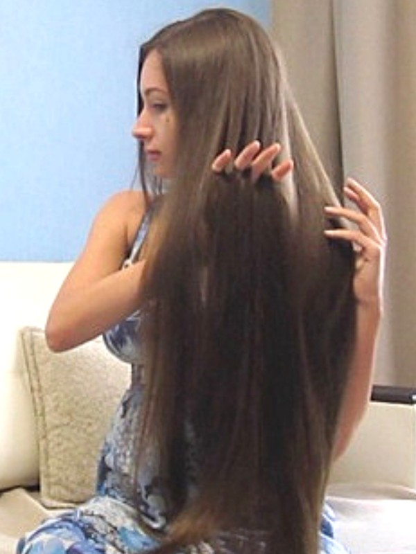 VIDEO - Classic length hair play