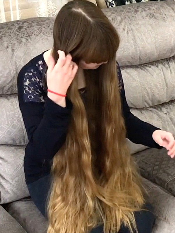 VIDEO - Kseniya´s bangs