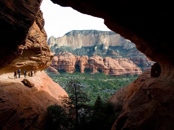 Sedona, Arizona - Red Rocks - Loy Butte Hikers