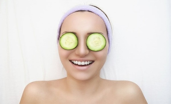 GET RID OF EYE BAGS AND DARK CIRCLES