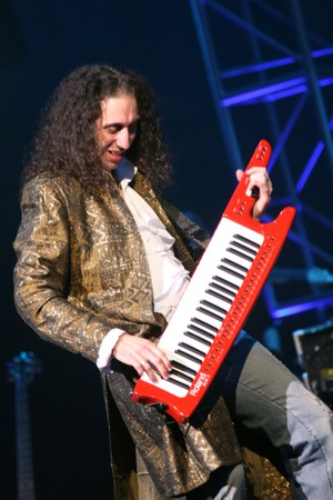KEYTAR MASTERCLASS - Keyboard Solo Shredding Techniques