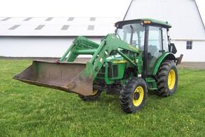 John Deere 5220, 5320, 5420, and 5520 Tractors Service Repair Technical Manual[TM2048 15MAR02]