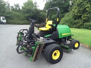 John Deere 3215(A), 3215B, 3225B, 3235(A) and 3235B Lightweight Fairway Mower Technical Manual