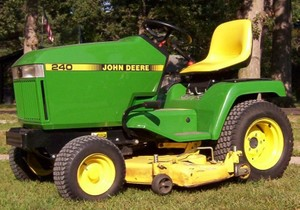 John Deere 240, 245, 260,265, 285, and 320 Lawn and Garden Tractors Technical Manual