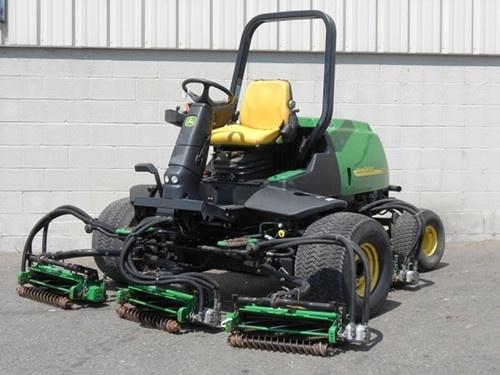 John Deere 3225C, 3235C and 3245C Lightweight Fairway Mower Service Repair Technical Manual