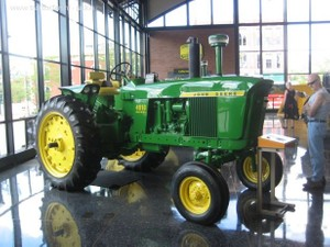 John Deere 4010 Compact Utility Tractor Service Repair Technical Manual[TM1983 OCTOBER 2002]